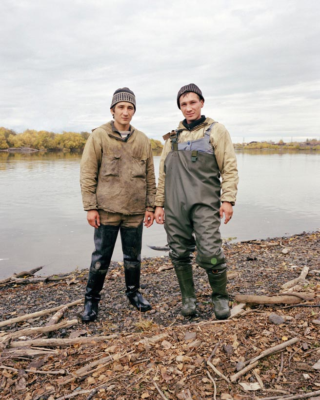 Sturgeon poachers, Kolya Koryakin and Xena Vassif, Kamchatka Peninsula, Far East Russia, October 2004